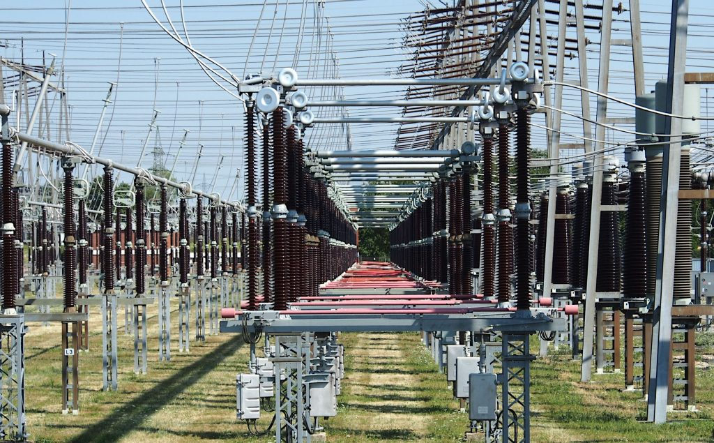Advantages of studying electrical engineering
